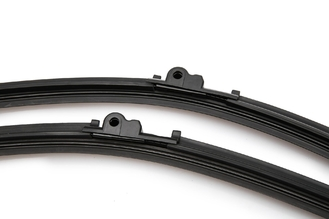 China Engineering Vehicle Windscreen Wiper Blades With Special Formula Natural Rubber supplier
