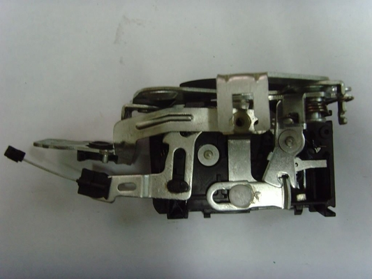 China Two Eagles Mechanical Car Door Latch For Rear Storage Box Door Of Truck distributor